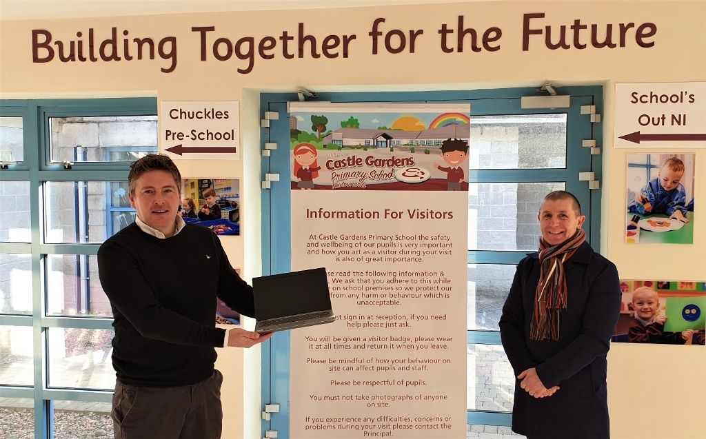 PINKERTONS ESTATE AGENTS DONATE TO HOME SCHOOLING DIGITAL DRIVE