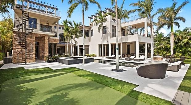 Rory sells swanky Florida pad