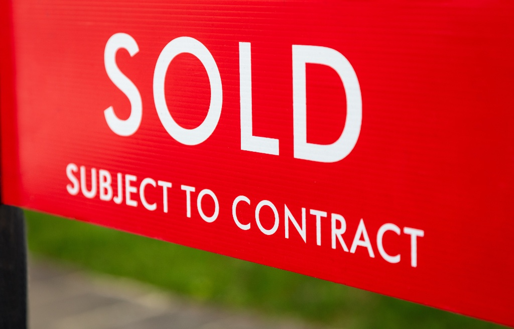 How to Make an Offer on a House in Antrim