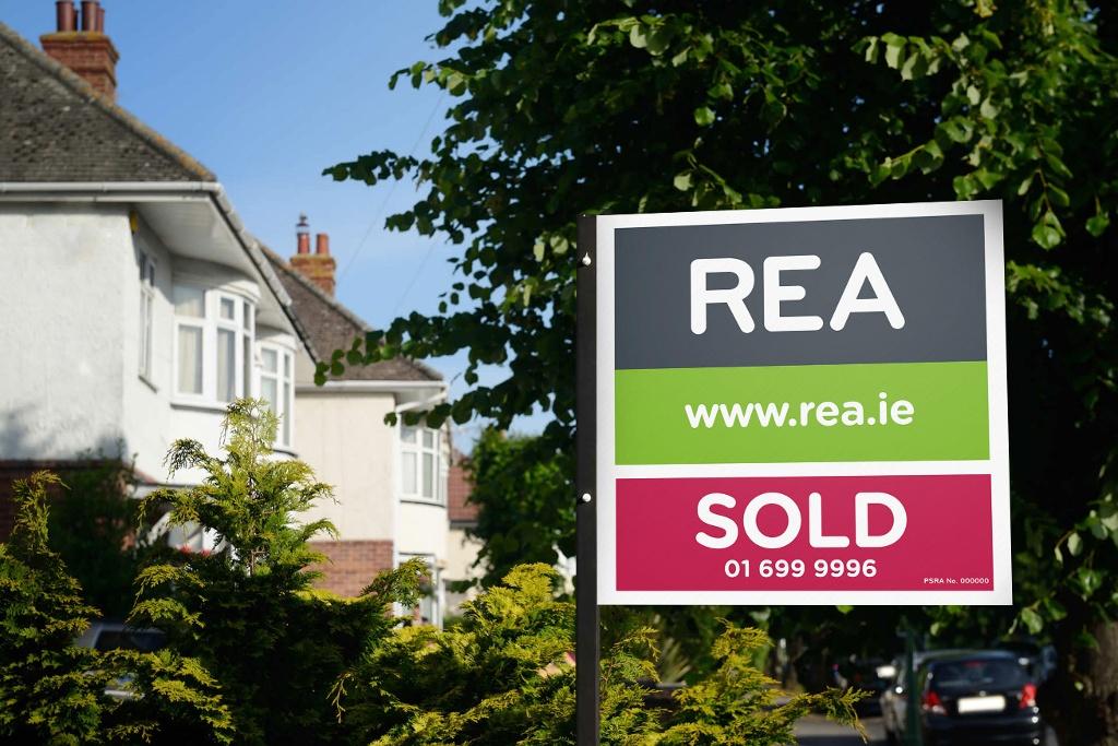 Average House Price costs €235,028